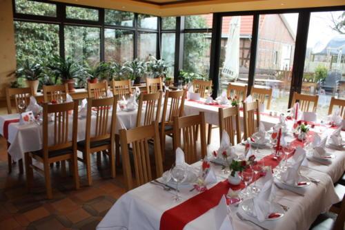Restaurant und Saal